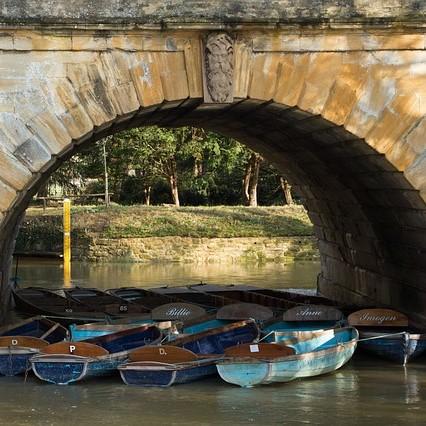 Magdalen Bridge-3518298_640