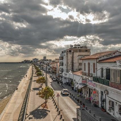 cyprus-4675982_640-Larnaca squ